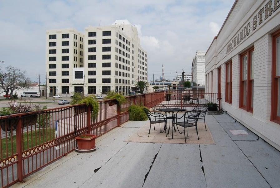 Mechanic_street_lofts_balcony