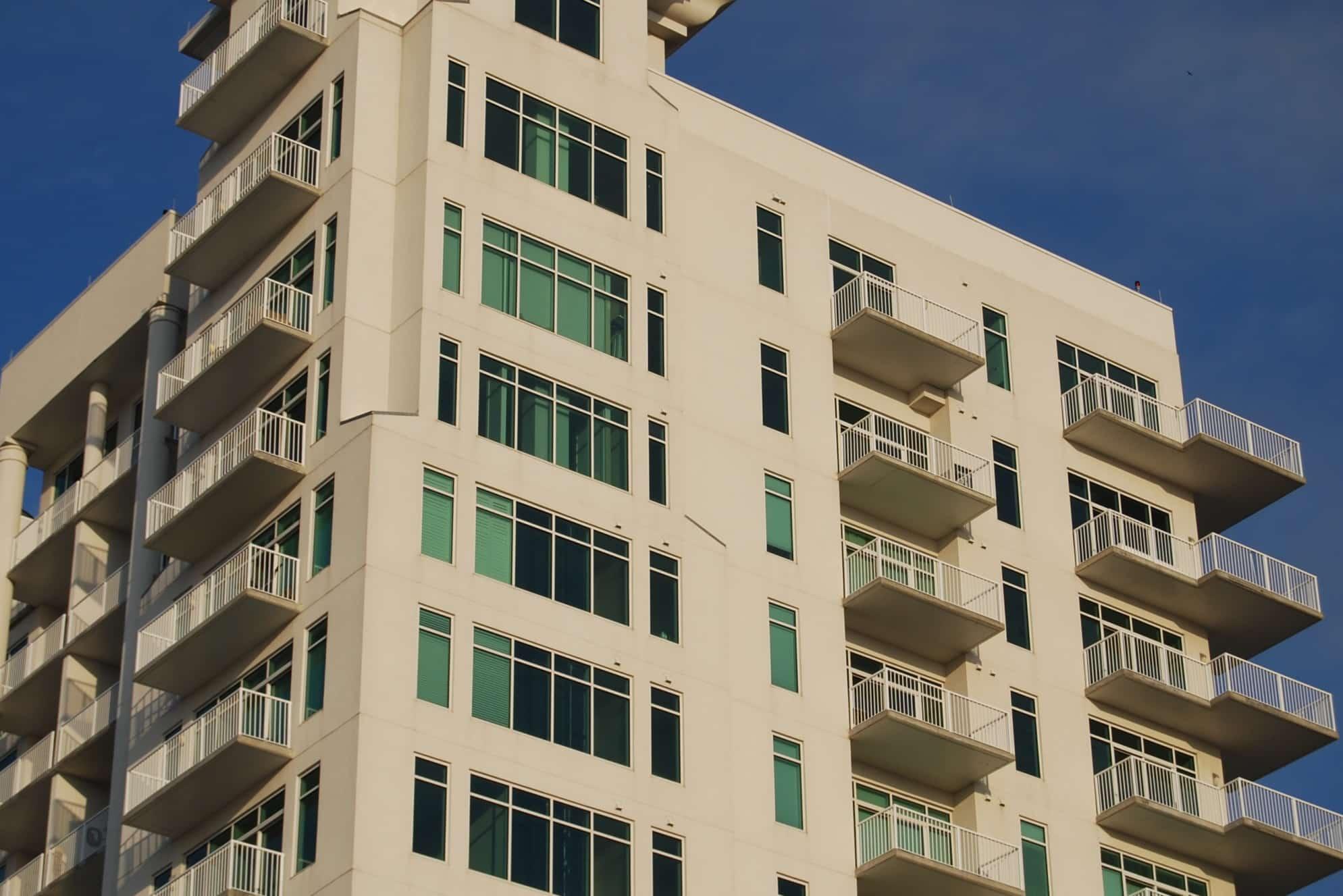 picture of a condominium building