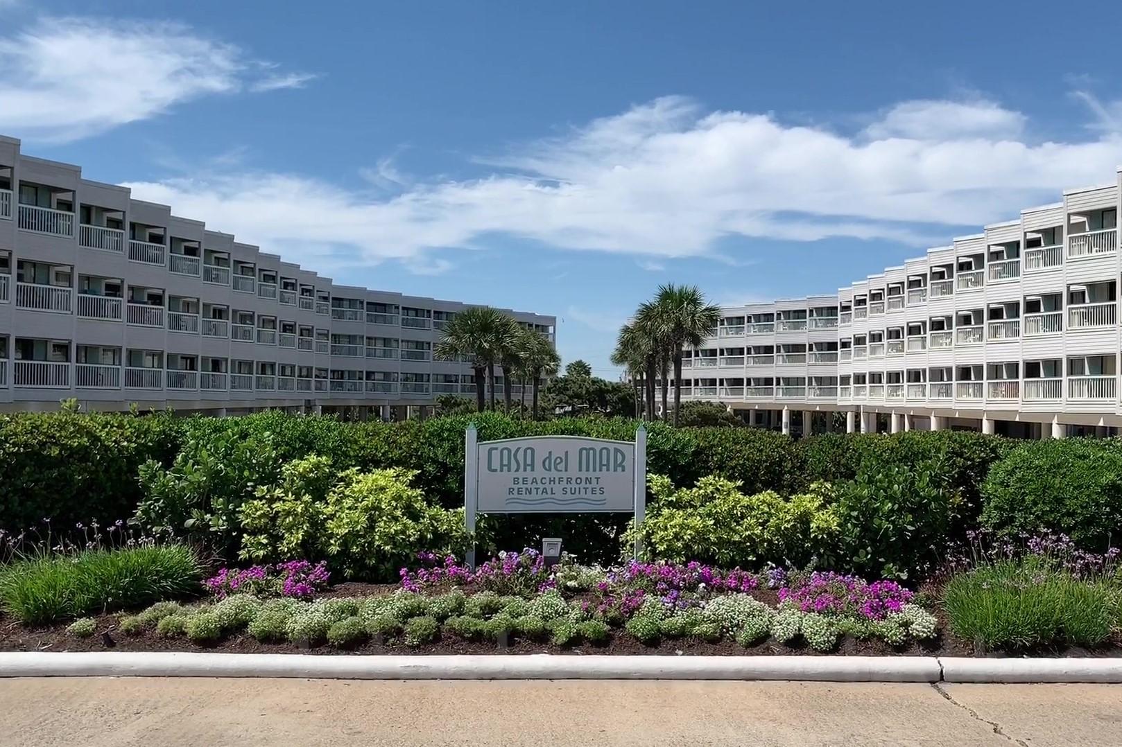 Casa Del Mar Condominiums entry
